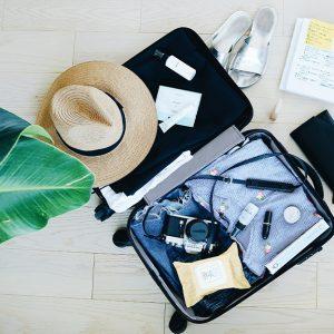 Les produits de beauté essentiels pendant un voyage